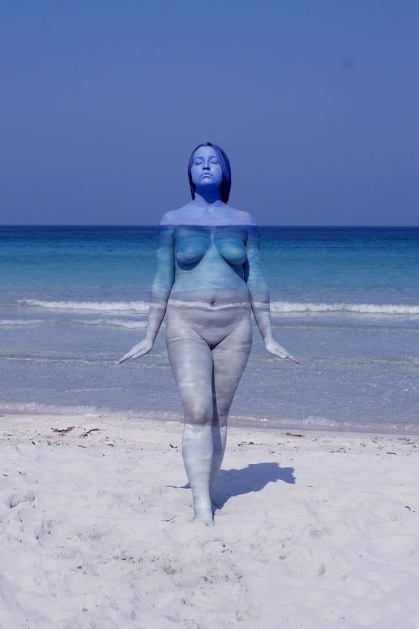 Fine-Art-BodyPainting-Nature-Inspired-By-Johannes-Stötter-Landscapes-02