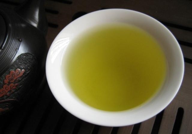 top-leaf-green-tea-cup-01
