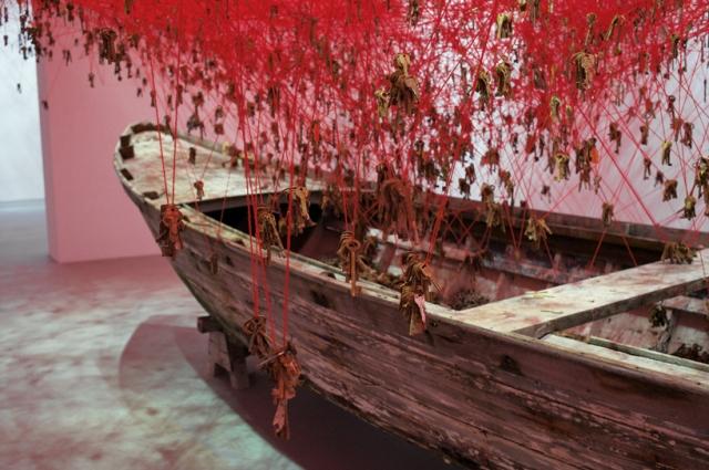 chiharu-shiota-the-key-in-the-hand-venice-art-biennale-designboom-07