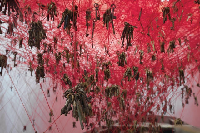 chiharu-shiota-the-key-in-the-hand-venice-art-biennale-designboom-08