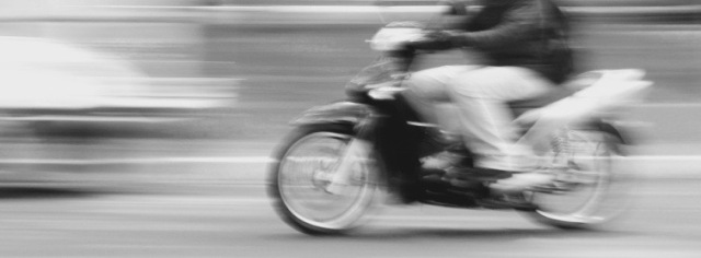 moving-motorcycle (1)